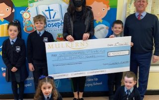 Meigh PS receive 2nd Prize of £500 from Kelly McKeown, Mulkerns SPAR / Eurospar